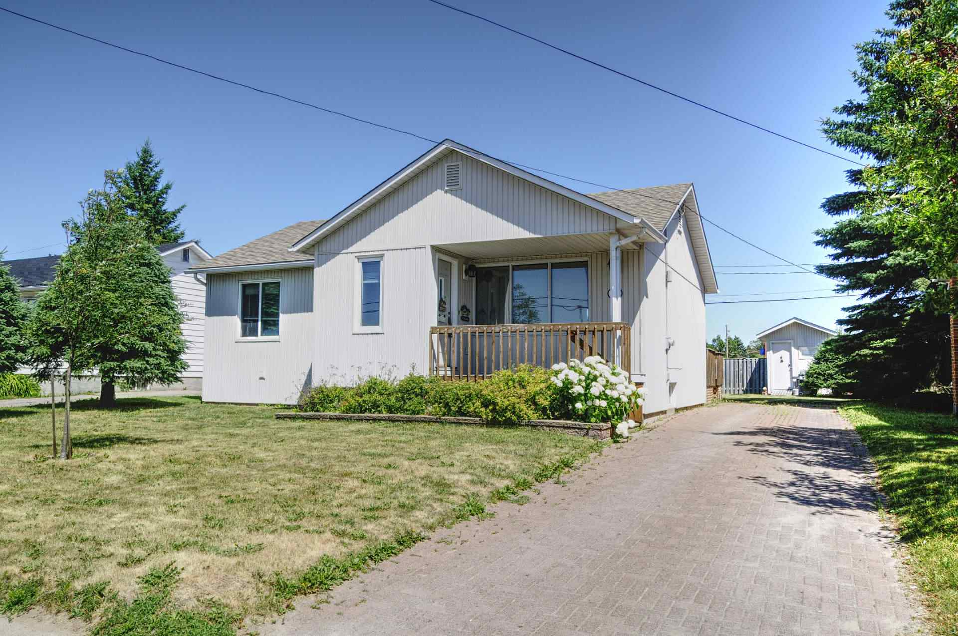 16 Willow Avenue, Sault Ste. Marie Ontario, Canada