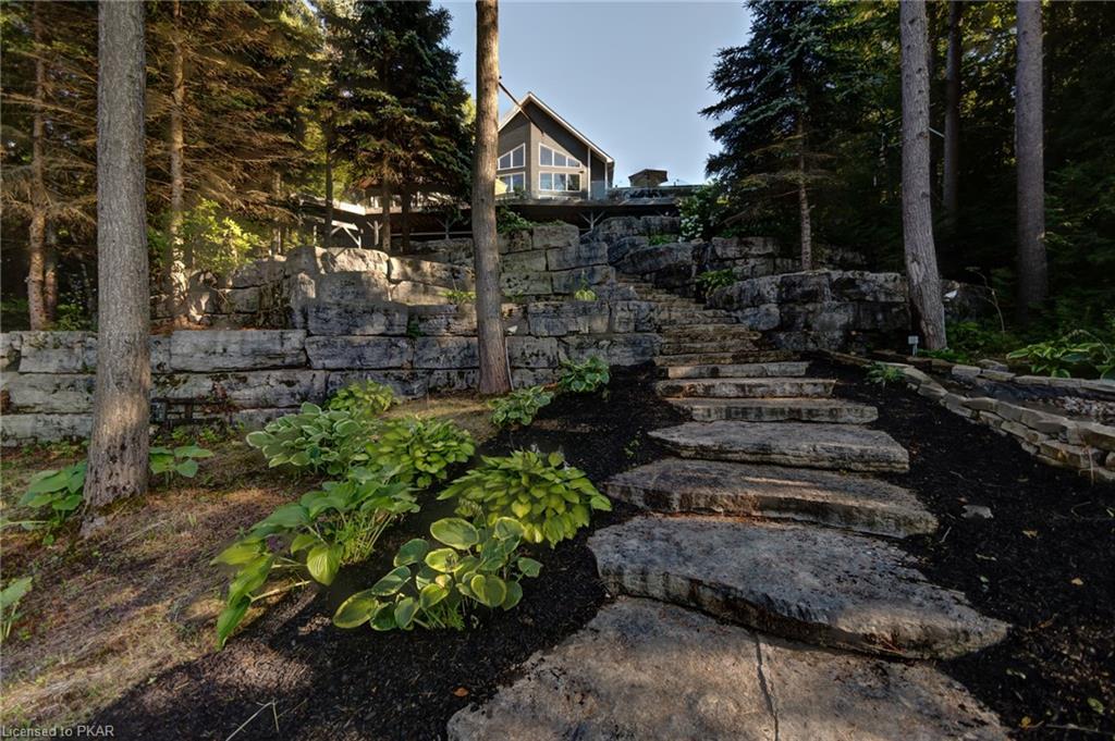 7 ROBIN Lane, North Kawartha Township, Ontario, Canada