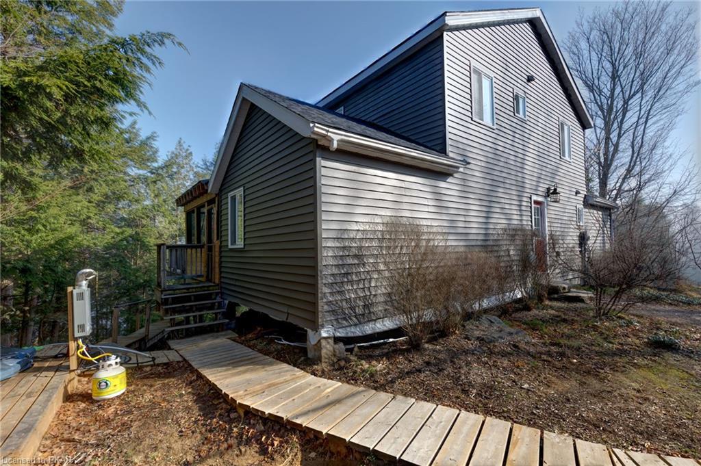125 SONGSPARROW Lane, North Kawartha Township, Ontario, Canada