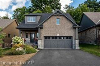8 BRAESIDE Crescent, Huntsville Ontario, Canada