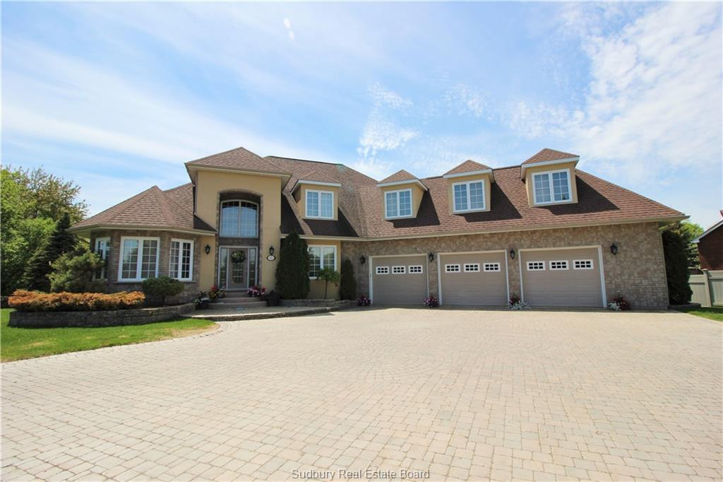 344 Lakeview Place, Azilda Ontario, Canada