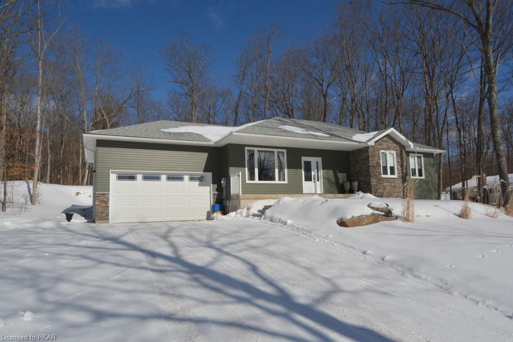 86 FORESTVIEW Drive, Buckhorn Ontario, Canada
