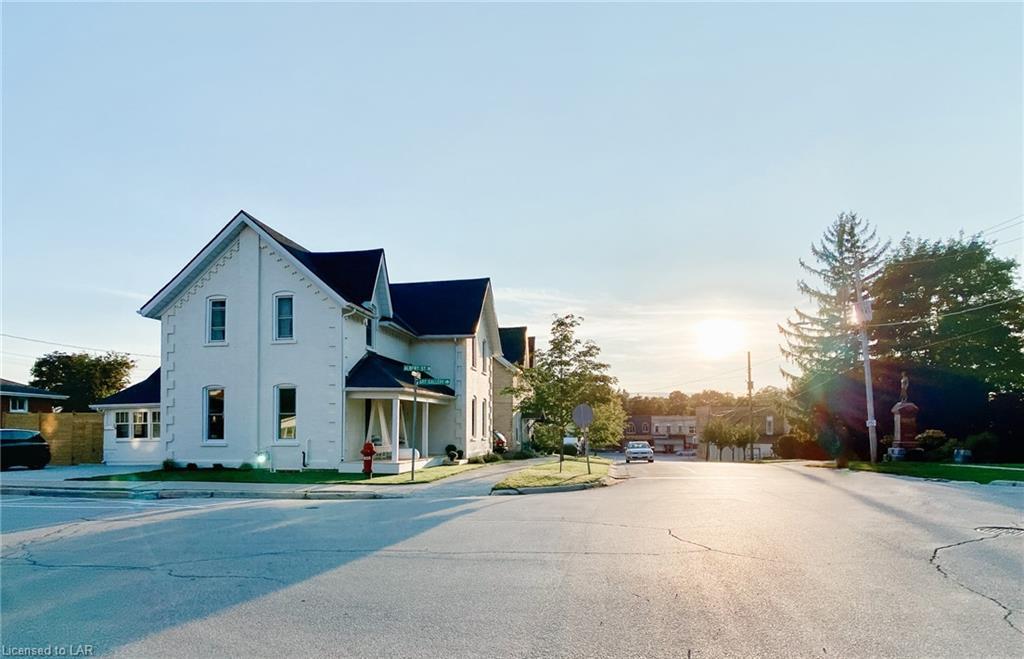 193 Mill Street E
