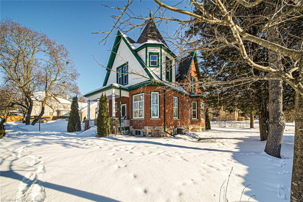33 Colbourne Street, Lakefield Ontario, Canada