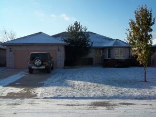 670 Humber Dr, Sarnia Ontario