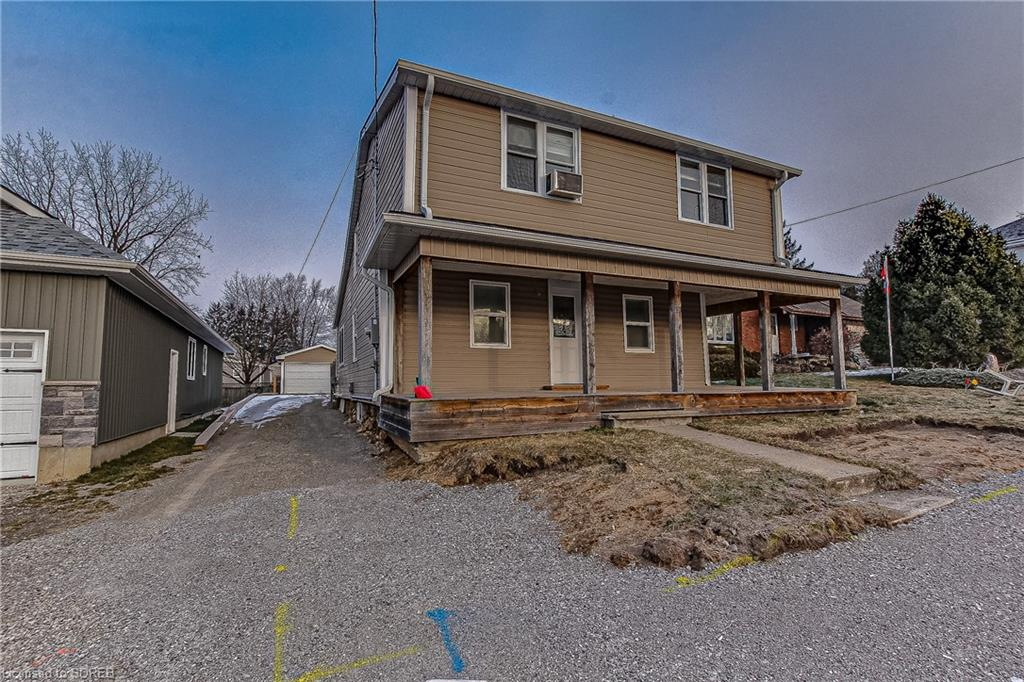 27 Sovereign Street W, Waterford Ontario, Canada