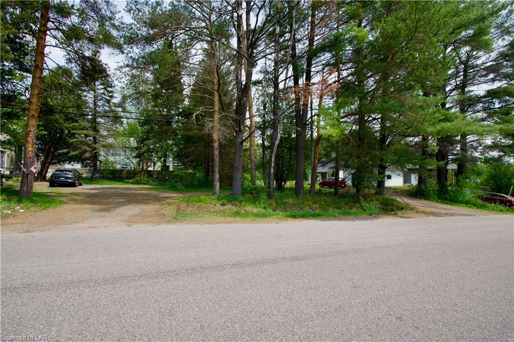 13 Hodges Lane, Huntsville Ontario, Canada