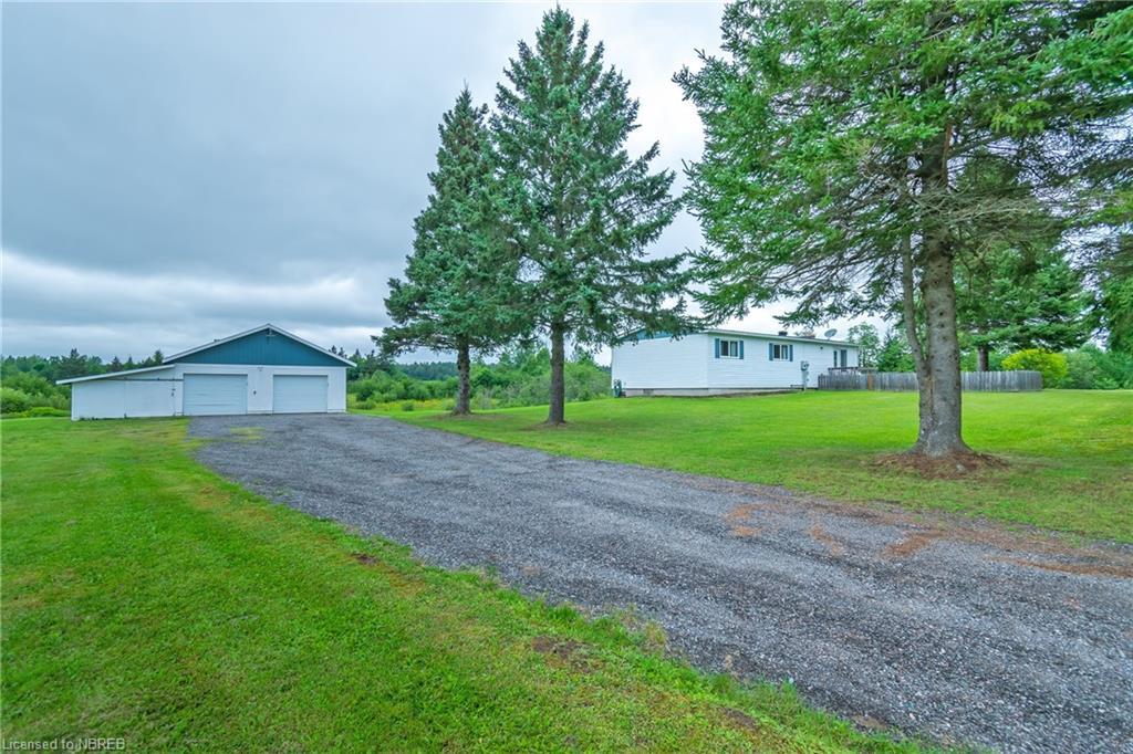 297 Development Road, Bonfield Ontario, Canada