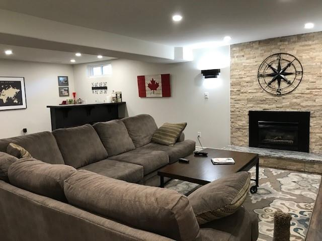218 BLACKTHORN Crescent, St. Clair Ontario, Canada