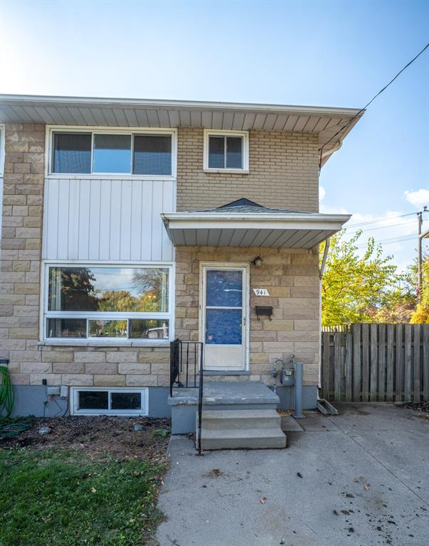 941 Eastlawn Avenue, Sarnia Ontario, Canada