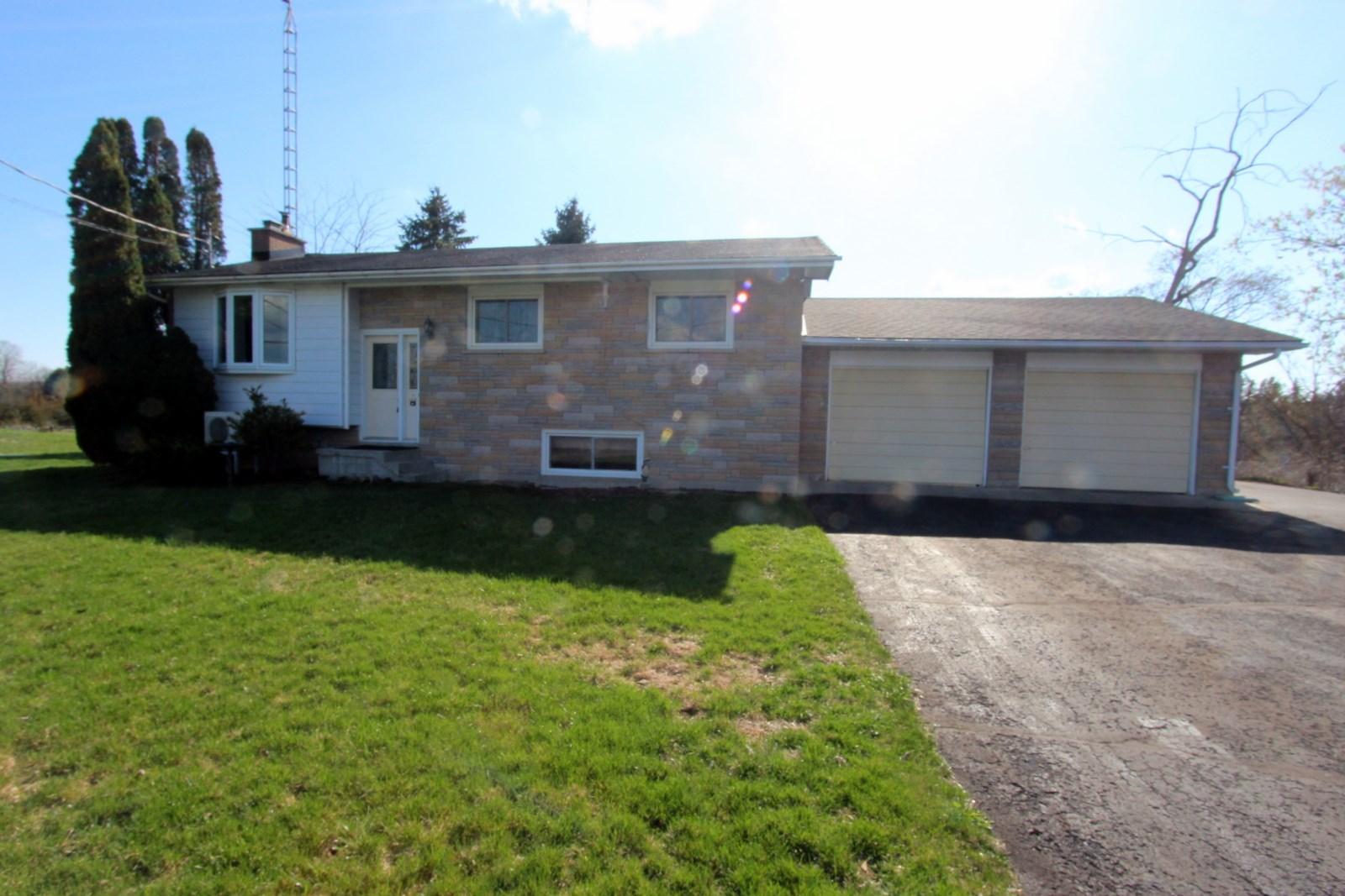 2656 County Rd 6, Yarker Ontario, Canada