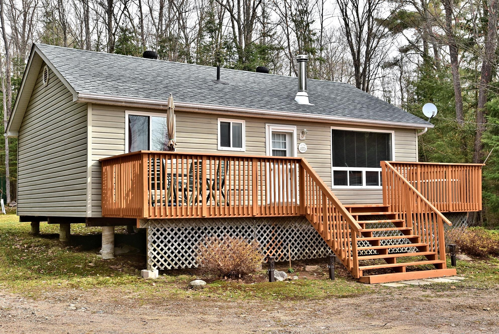 1173 Little Hawk Lake Road, Algonquin Highlands Ontario, Canada