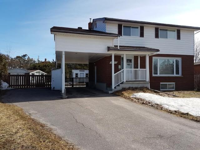 2557 Sandra Ave, North Bay Ontario, Canada