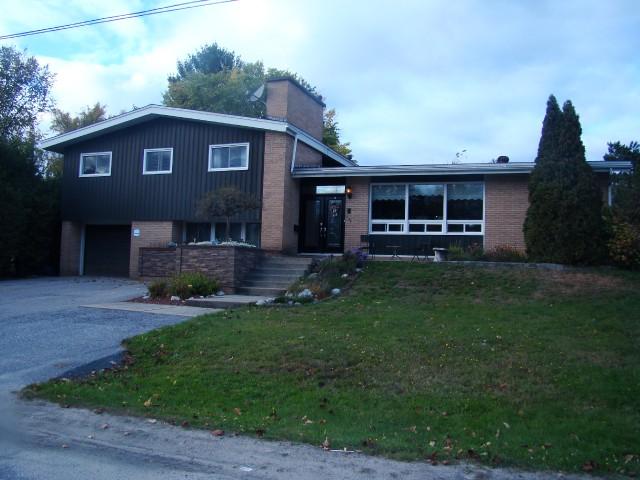652 Vimy St, North Bay Ontario, Canada