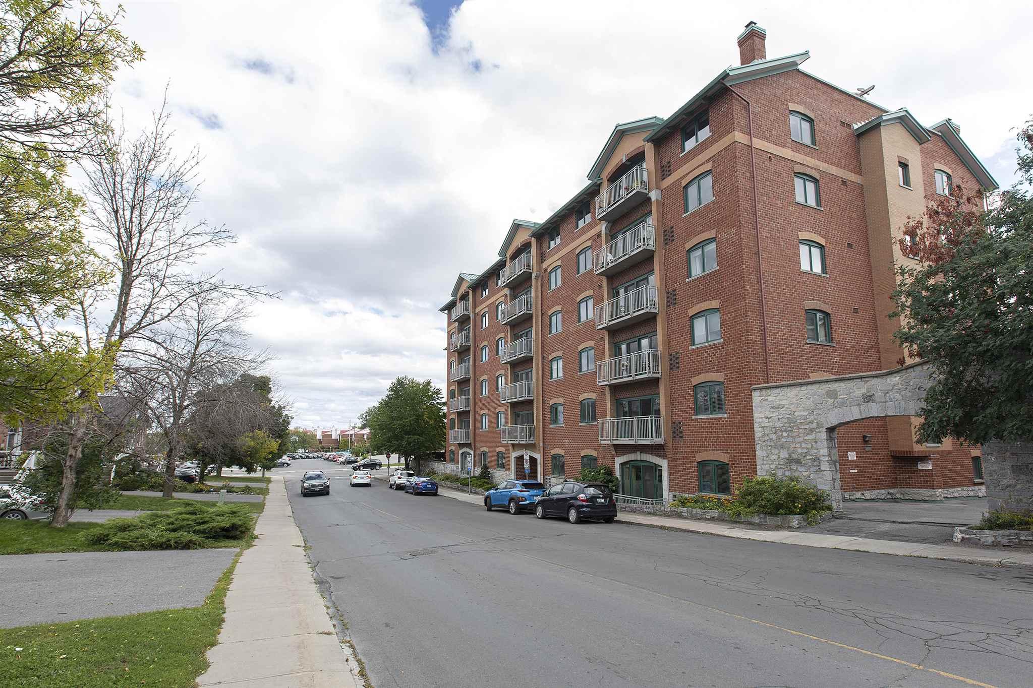 102 2 Bay Street, Kingston, Ontario, Canada