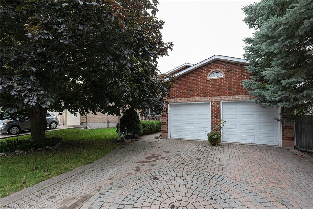679 PARKSIDE Crescent, Kingston, Ontario, Canada