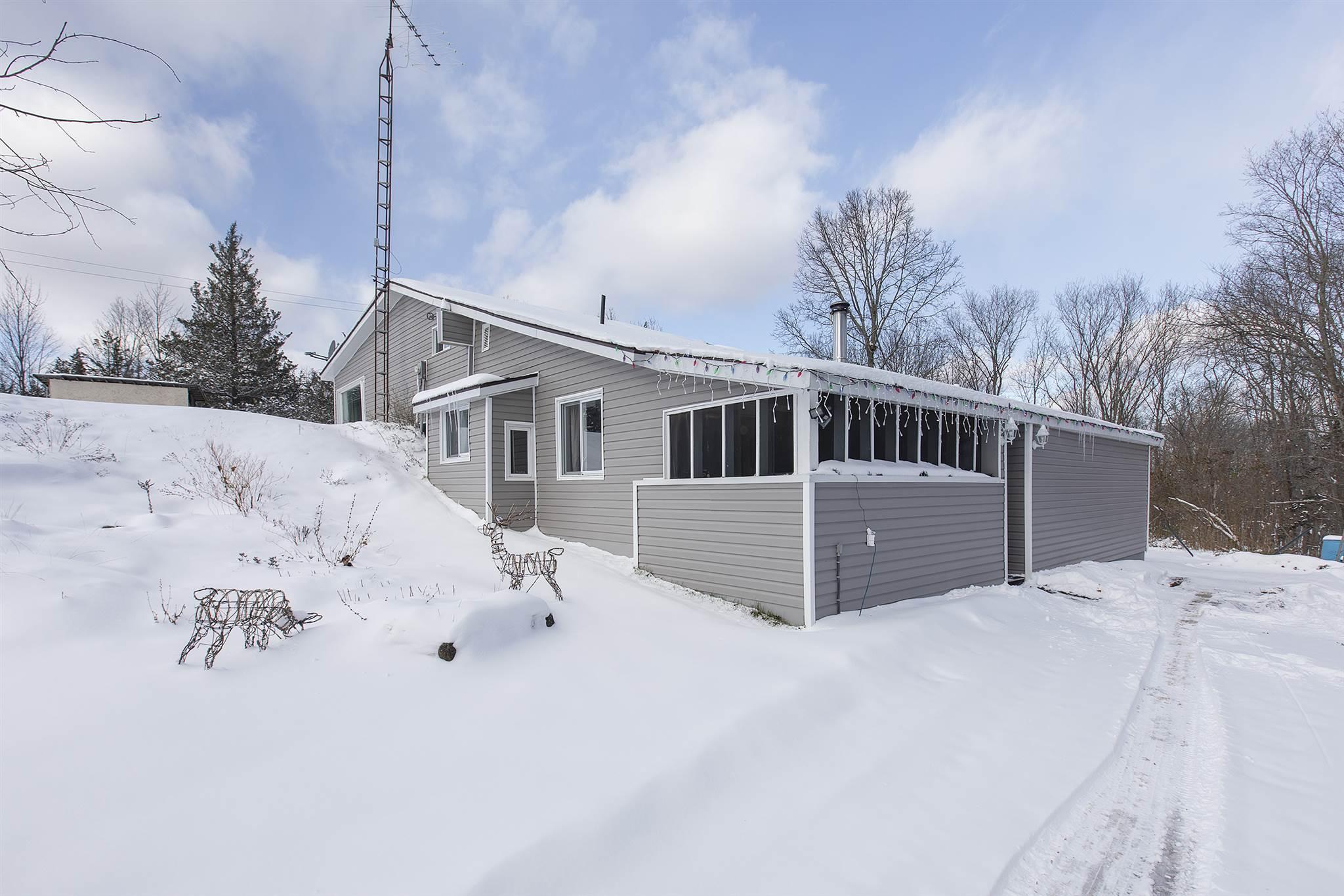 515 Gananoque Lake Road, Leeds & 1000 Islands Township, Ontario, Canada