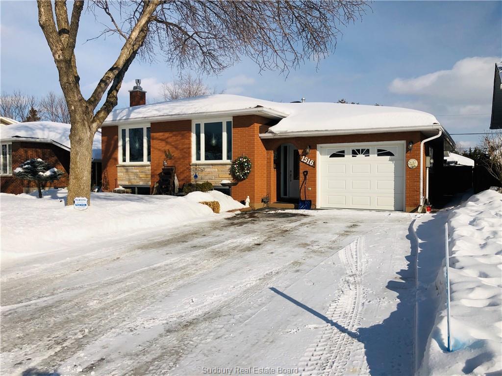 1516 Dearbourne Drive, Sudbury Ontario, Canada