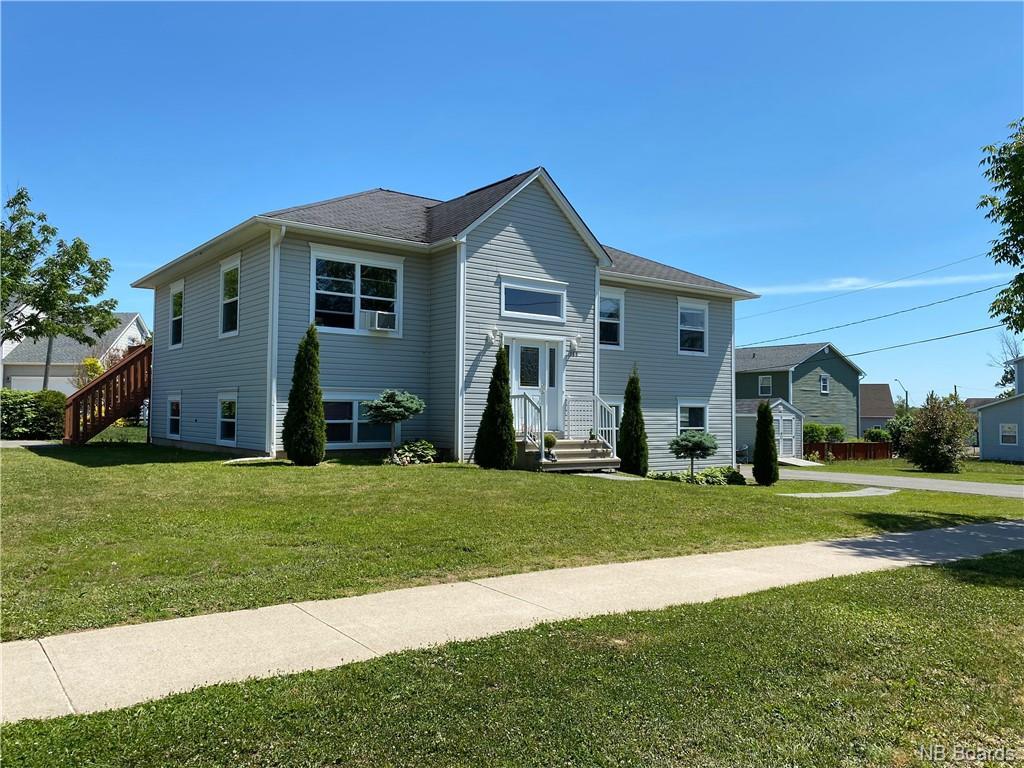185 Mcgibbon Street, Fredericton New Brunswick, Canada