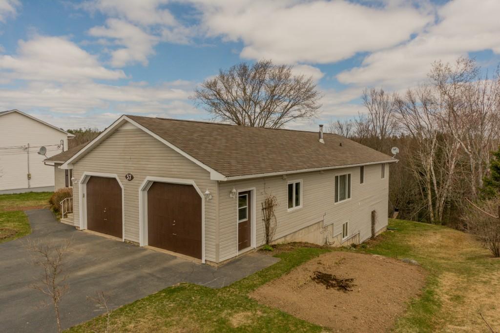 57 Woodlawn Lane, New Maryland New Brunswick