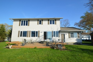5388 Oak Ave, Lambton Shores Ontario