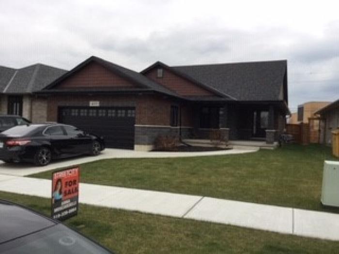 433 Lucas Ave , Sarnia Ontario, Canada