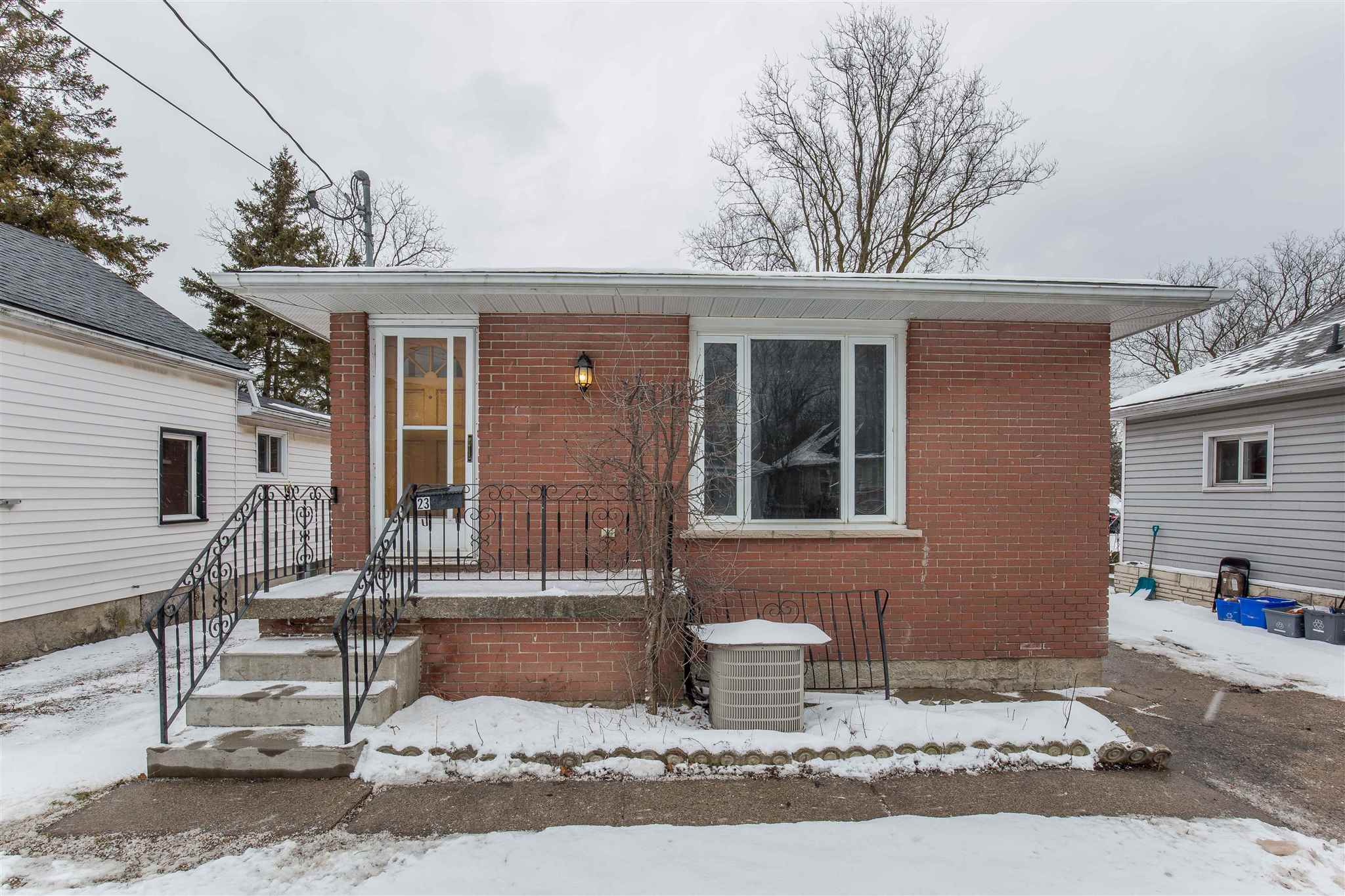 23 Kingscourt Avenue, Kingston Ontario, Canada
