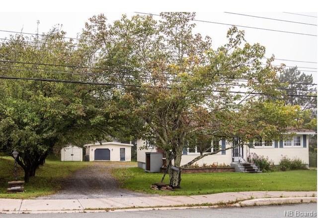 207 Lakeview Drive, Saint John New Brunswick, Canada