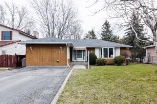 220 Inverness Cres, Kingston Ontario