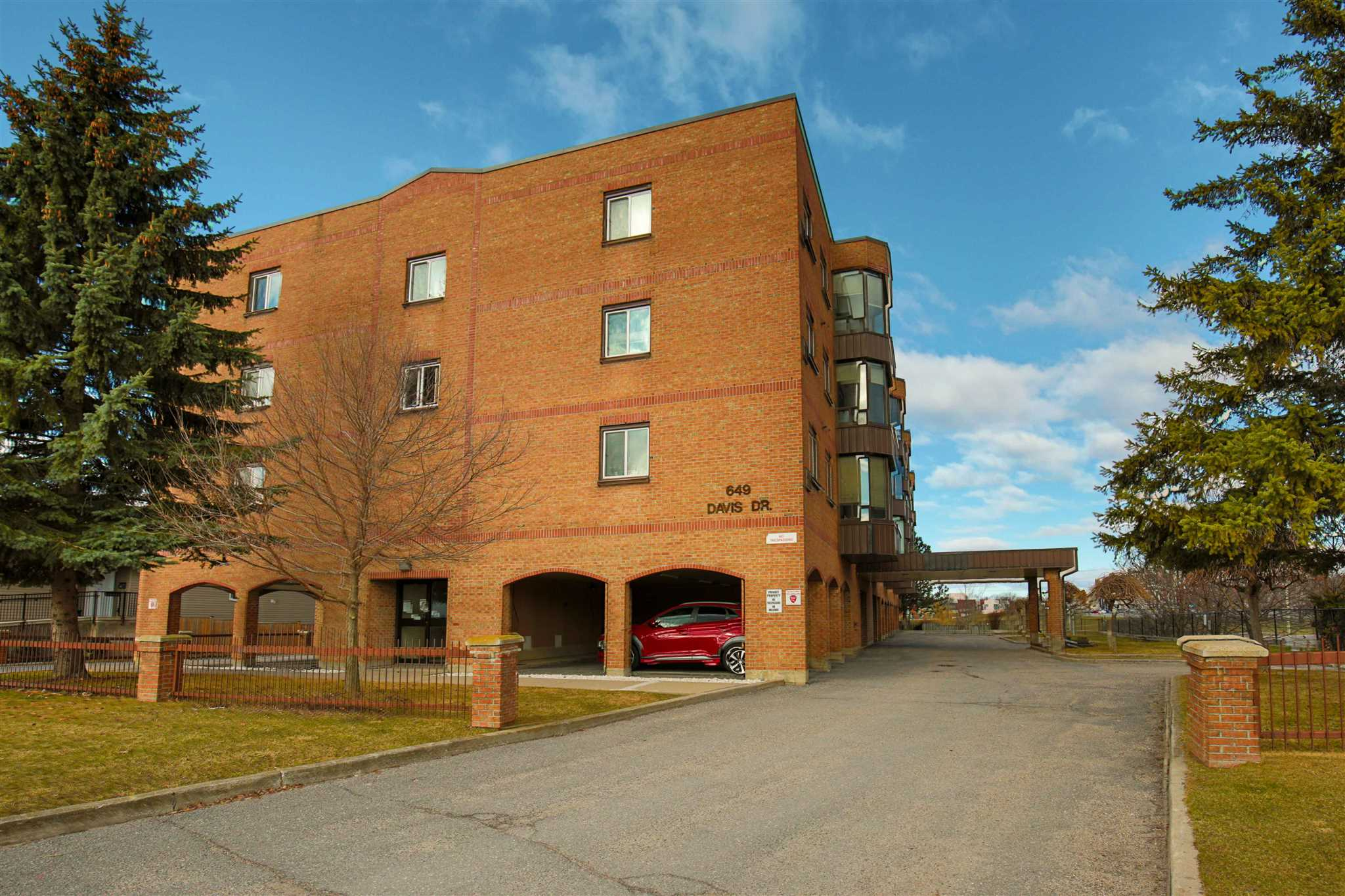 Unit# 401 649 Davis Drive, Kingston, Ontario, Canada
