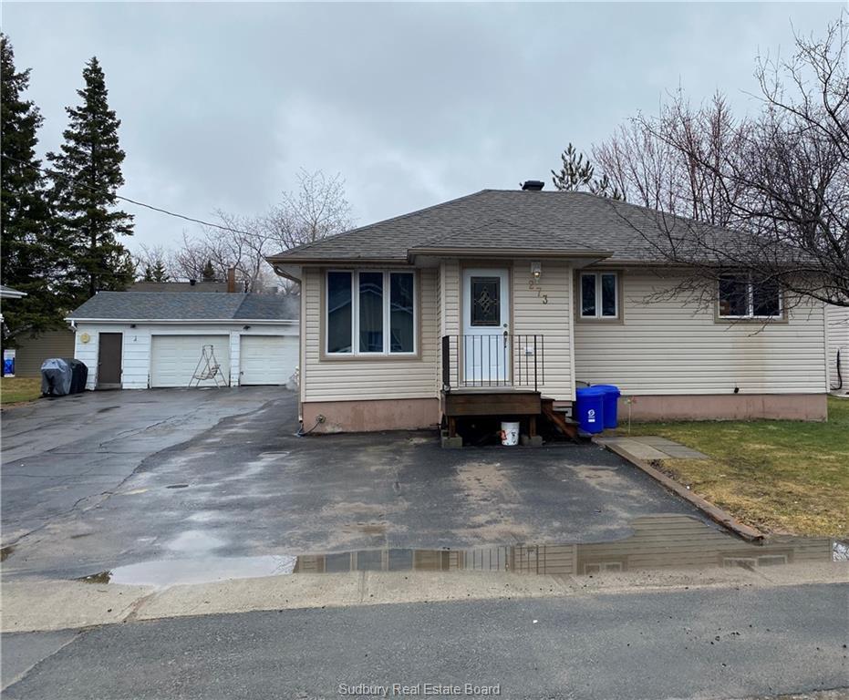 273 Eleventh, Lively Ontario, Canada