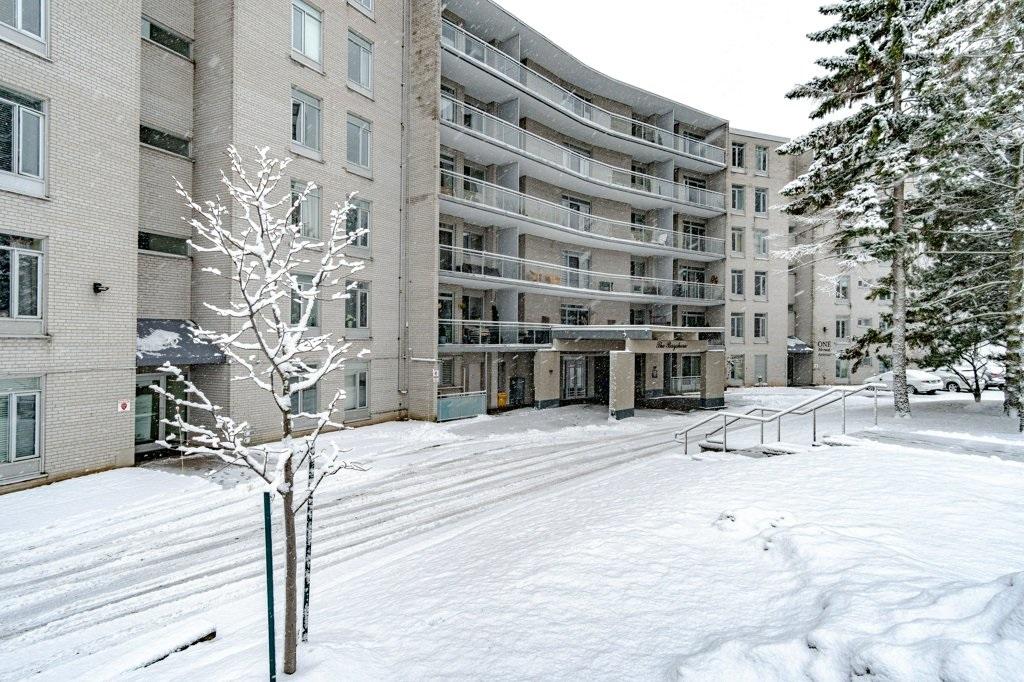Unit# 106 1 Mowat Avenue, Kingston Ontario, Canada