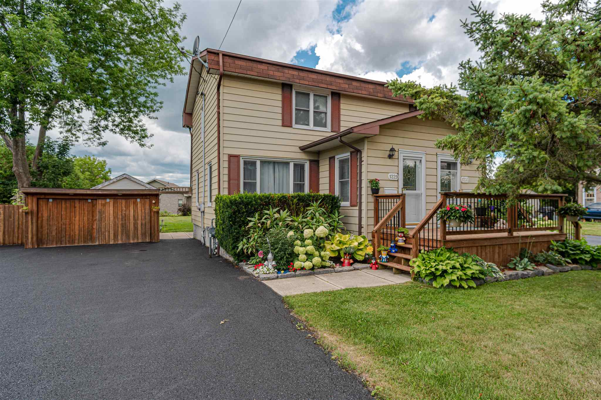 1229 and 1233 Westbrook Road, Kingston, Ontario, Canada
